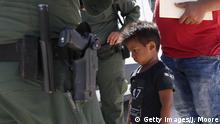 USA Texas Grenzschutzbeamte stoppen Migranten in Nähe Mexiko-Grenze