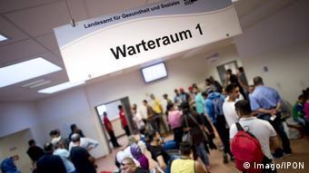 La procédure de demande d'asile a été simplifiée, mais il est plus difficile d'obtenir le statut de réfugié