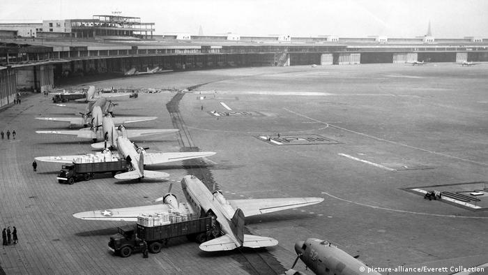 Berlin - Tempelhof 1948 (picture-alliance/Everett Collection)