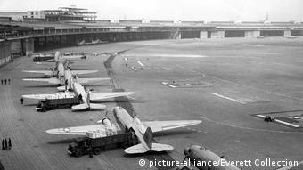 Berlin - Tempelhof 1948 (picture-alliance/Everett Collection)