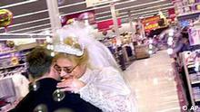 Hochzeit im Supermarkt