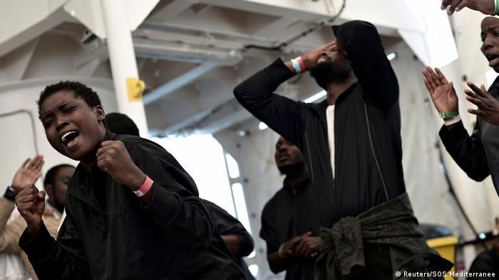 Біженці на борту Aquarius