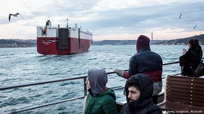 Türkei Istanbul - Bosporus Kanal
