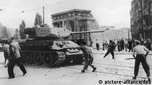 DDR Volksaufstand 1953 | russische Panzer und Demonstranten
