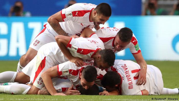 A seleção da Sérvia tem como característica o jogo físico, de muito contato e que oferece perigo no jogo aéreo