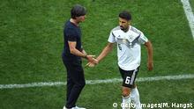 Fußball WM 2018 Gruppe F Deutschland - Mexiko | Sami Khedira und Joachim Löw