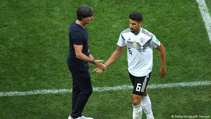 Sami Khedira and Joachim Löw (Getty Images/M. Hangst)