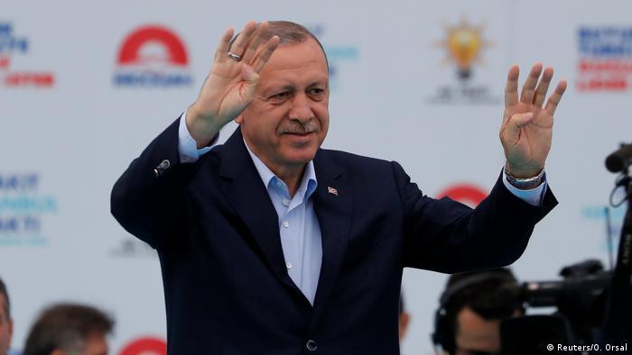 Türkei Kundgebung zur Unterstützung von Erdogan in Istanbul (Reuters/O. Orsal)