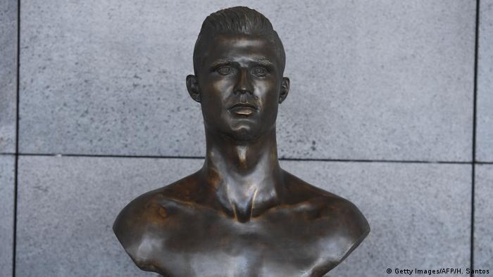 Madeira Airport neue Ronaldo-Statue
