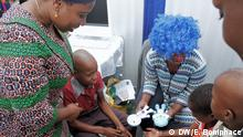 Tanzania's Health Minister, Ummy Mwalimu monitoring kids suffering from cancer at the Muhimbili National Hospital. DW, Eric Boniphace