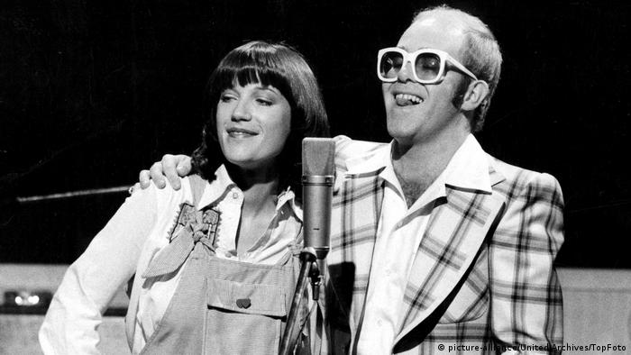 Großbritannien Kiki Dee und Elton John (picture-alliance/United Archives/TopFoto)
