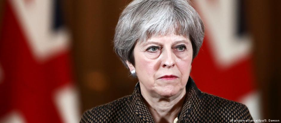 May argumenta que seu plano é única maneira de evitar fechamento da fronteira entre as Irlandas