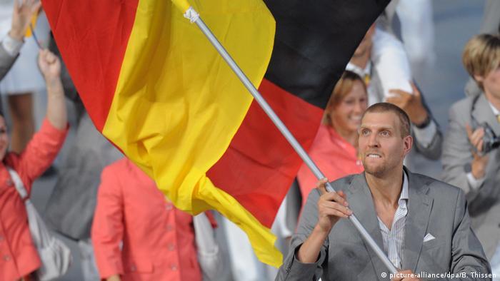 Dirk Nowitzki wird 40 (picture-alliance/dpa/B. Thissen)