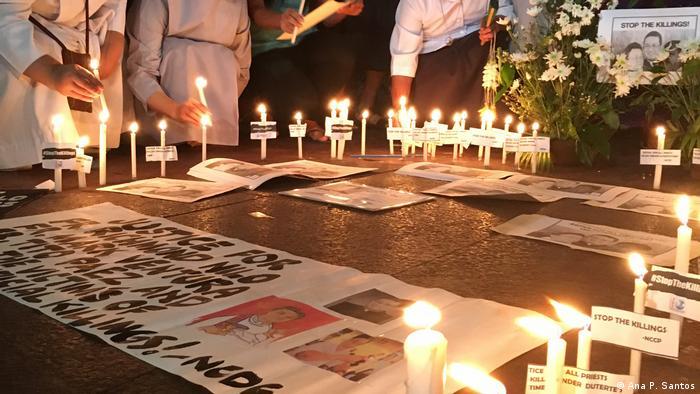 Philippinen Katholische Priester protestieren gegen wachsende Gewalt