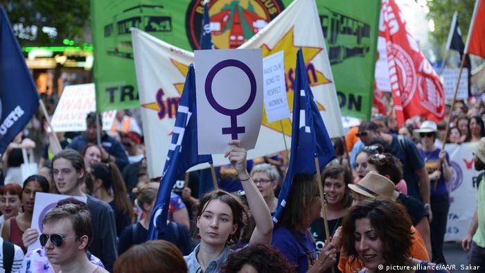Australien Internationaler Frauentag Demonstration (picture-alliance/AA/R. Sakar )