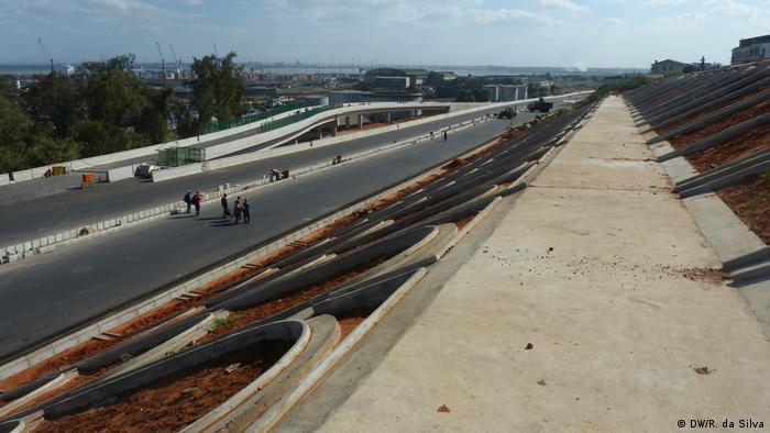 Mosambik Längste Hängebrücke verbindet Maputo und Catembe (DW/R. da Silva)