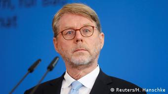 هانس اکهارد زومر، رئیس اداره فدرال مهاجرت آلمان