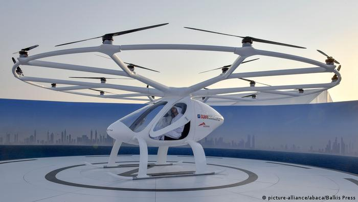 Flying taxi in Dubai (picture-alliance/abaca/Balkis Press)