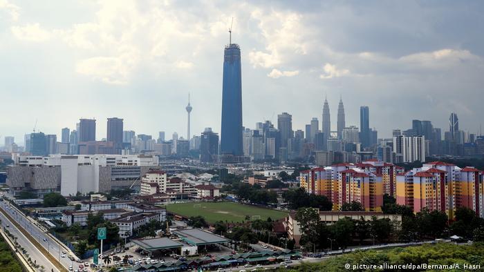 Malaysia Tun Razak Exchange - TRX City in Kuala Lumpur (picture-alliance/dpa/Bernama/A. Hasri)
