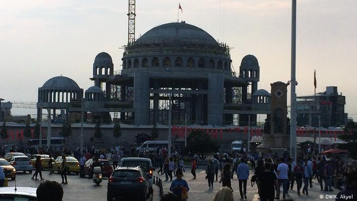 Siyasal dinciliğin yeni portresi: Taksim Meydanı