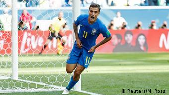 Na bacia das almas: Coutinho comemora gol que encaminhou a vitória