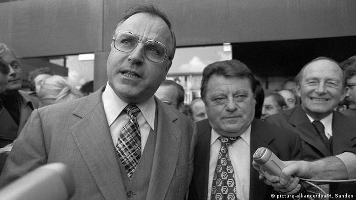 CSU strebt 1976 eigene Bundestagsfraktion an