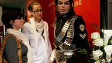 BdT - Trauer um Michael Jackson bei Madame Tussaud