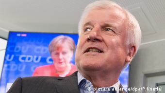 Горст Зеегофер наполягає на своєму генеральному плані з вирішення проблеми біженців