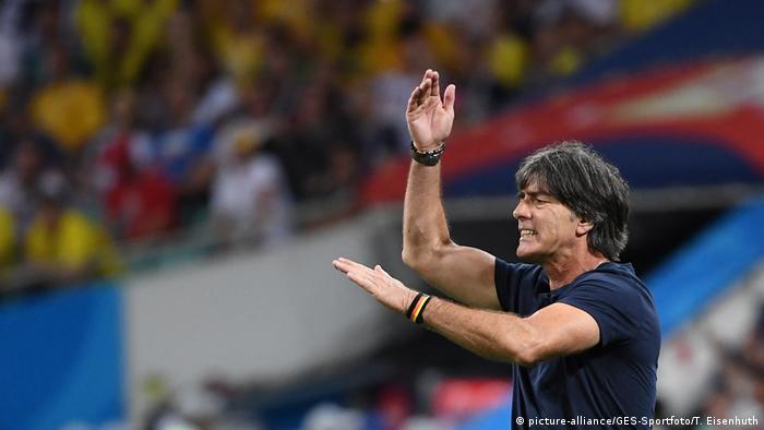 Joachim Löw: técnico está novamente pressionado a fazer mudanças