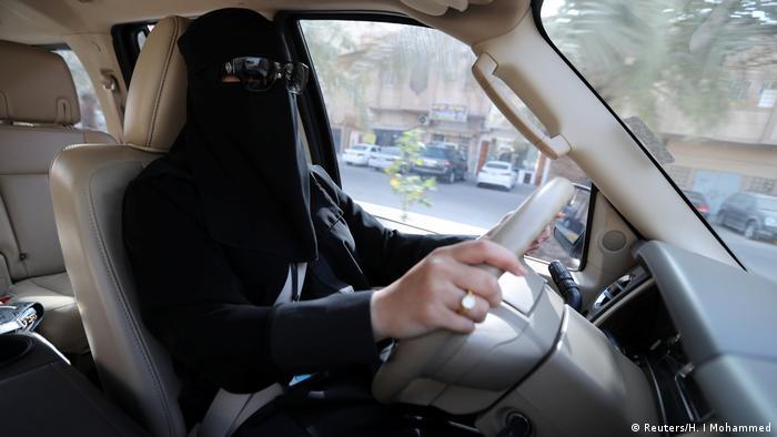 Жінкам у Саудівській Аравії дозволили керувати автомобілем