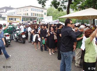 تظاهرات در کلن، شنبه ۶ تیر / ۲۷ ژوئن. بیش از ۳ هزار از ملیتهای گوناگون در این تظاهرات شرکت کردند