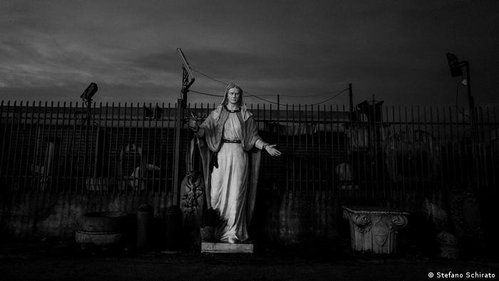 A statue of the Virgin Mary (Stefano Schirato)