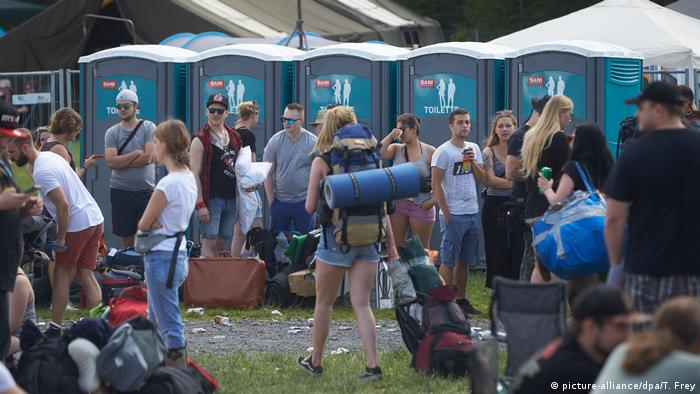 Mobile Toiletten (picture-alliance/dpa/T. Frey)