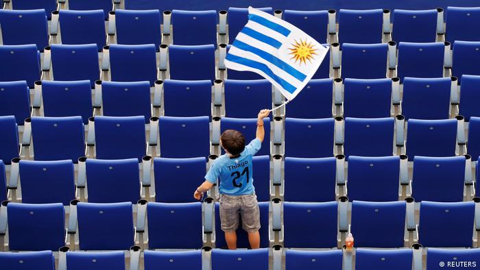 Russland WM 2018 l Uruguay vs Russland - Fan (REUTERS)