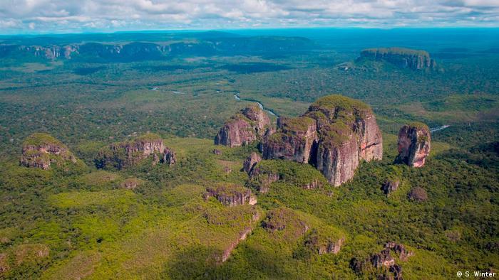 La Serranía del Parque del Chiribiquete de Colombia formó parte de estas expediciones científicas pero permanece cerrado al público al encontrarse habitado por pueblos indígenas incomunicados.