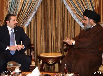 حسن نصرالله رهبر حزبالله در گفتوگو با سعد حریری نخست وزیر لبنان