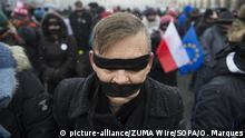 Protest in Polen -Gestohlene Gerechtigkeit (picture-alliance/ZUMA Wire/SOPA/O. Marques)