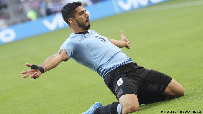 Russland WM 2018 l Uruguay vs Russland - Suarez schießt das erste Tor - Jubel (picture alliance/AP Images)