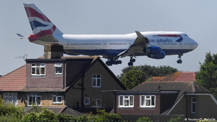 A British Airways jumbo approaching Heathrow Airport near London