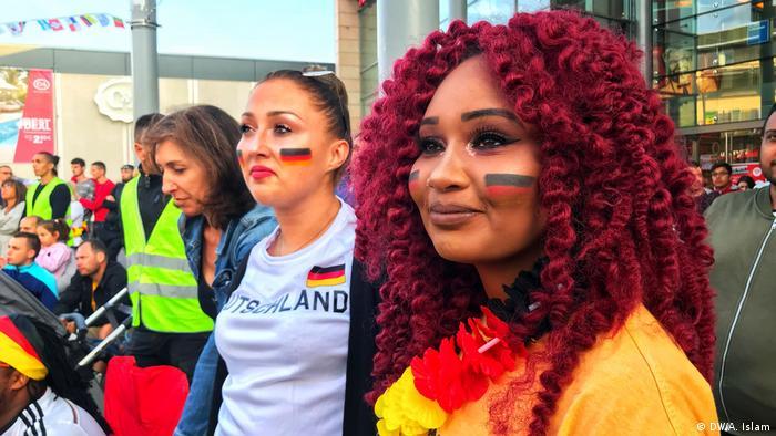 Mannheim Deutsche Fans bei der Fußball WM (DW/A. Islam)