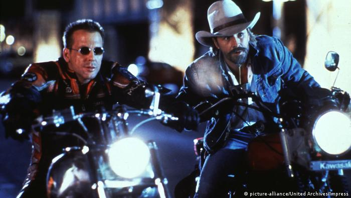 Filmstill aus Harley Davidson and the Marlboro Man (picture-alliance/United Archives/Impress)