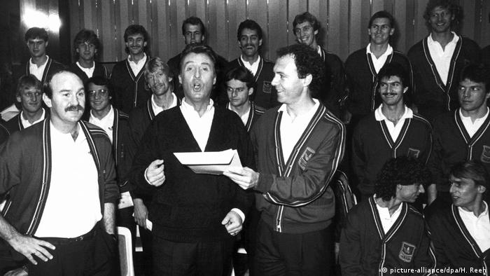 The German national soccer team in 1986 with schlager star Peter Alexander singing Mexico mi Amor
