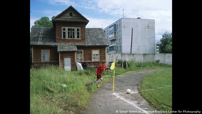 На выставке Сергея Новикова GRASSROOTS. Низовой футбол в России