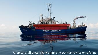 Rettungsboot Mission Lifeline im Mittelmeer