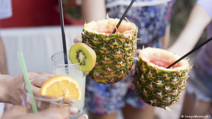 Ananas Cocktails (Imago/Westend61)