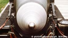 Deutschland US-Pershing II-Rakete in Mutlangen 1987 (picture-alliance/dpa/R. Schrader)