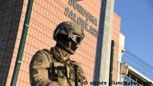 Türkei - Sicherheitskräfte vor dem Gerichtsgebäude in Istanbul