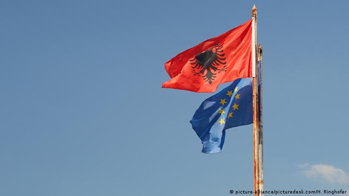 Symbolbild Albanien & EU