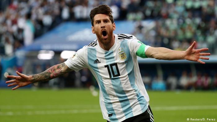 Fußball WM 2018 Nigeria vs Argentinien Tor 0:1 Messi (Reuters/S. Perez)