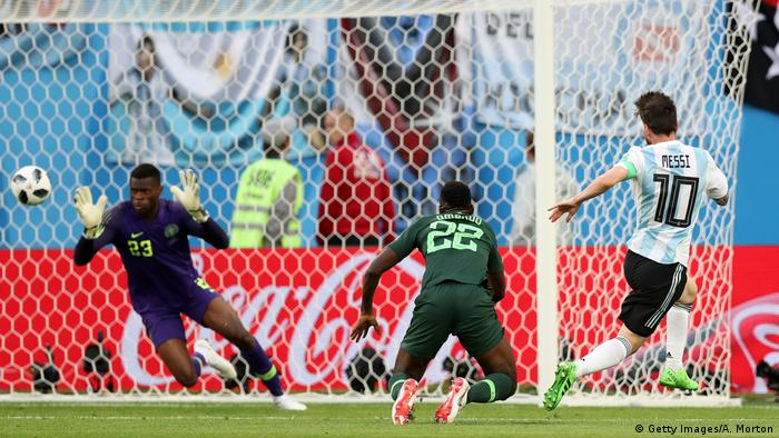 Fußball WM 2018 Nigeria vs Argentinien Tor 0:1 Messi (Getty Images/A. Morton)
